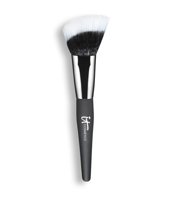 Angled Radiance Crème Brush Main Image